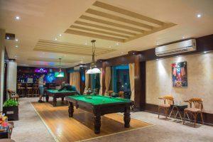 Sunrise Crystal Bay Resort bar