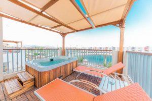 Sunrise Crystal Bay Resort jacuzzi suite