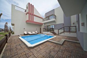 Sunrise Crystal Bay Resort poolsuite